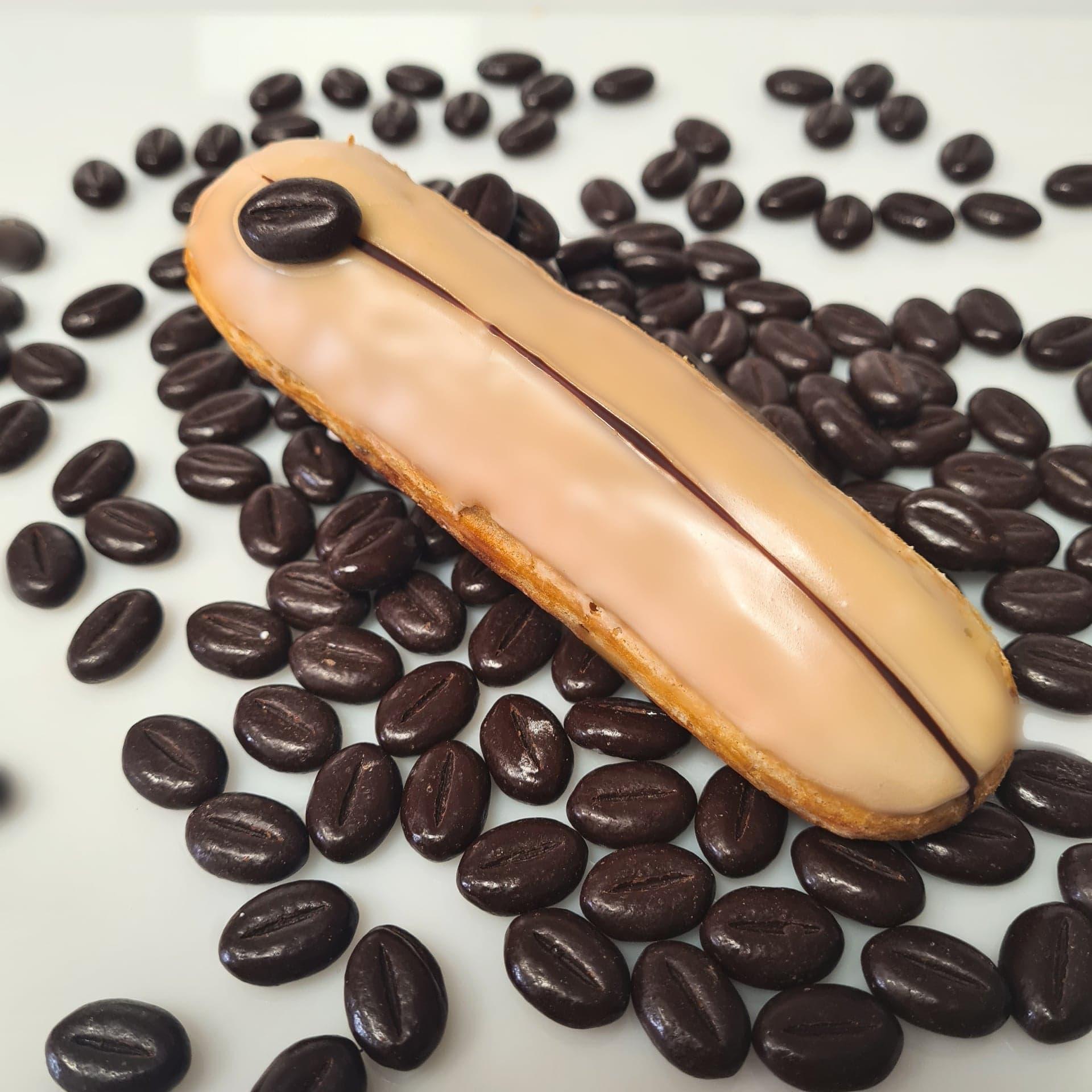 Pâte a choux, crème café 3 €