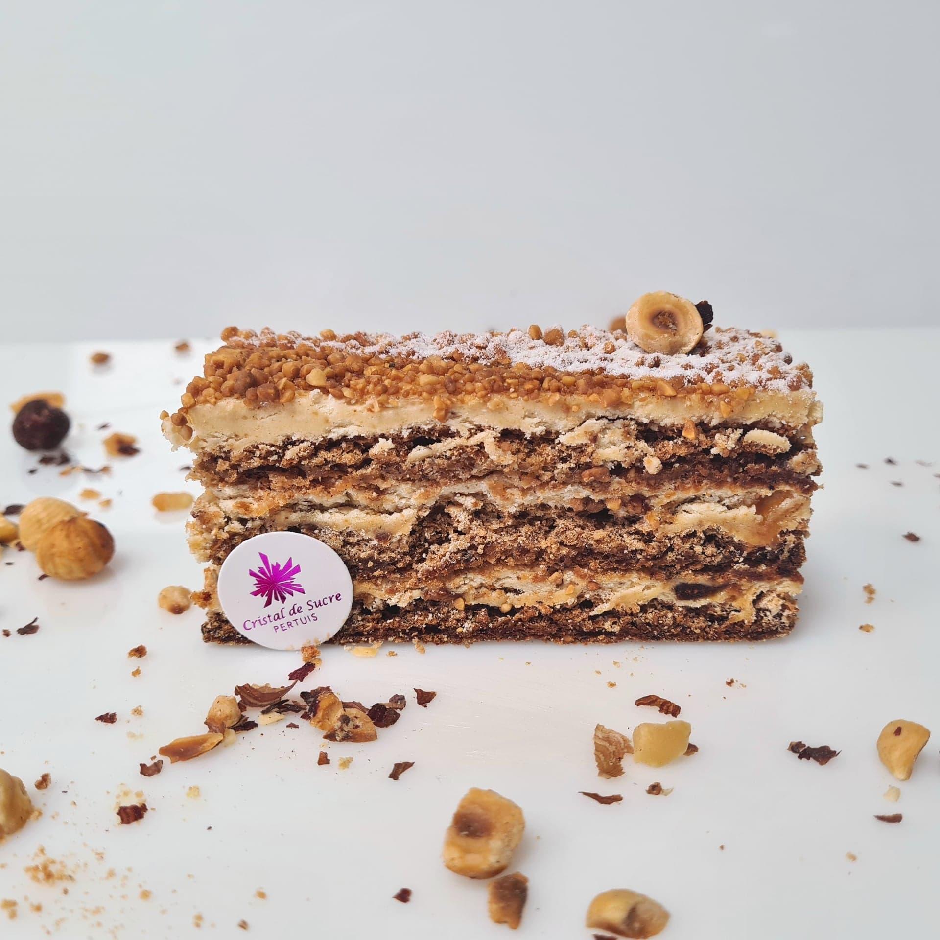 Biscuit meringué à la noisette, crème praliné aux noisettes du Piémont IGP, éclats de nougatine 3,50 €