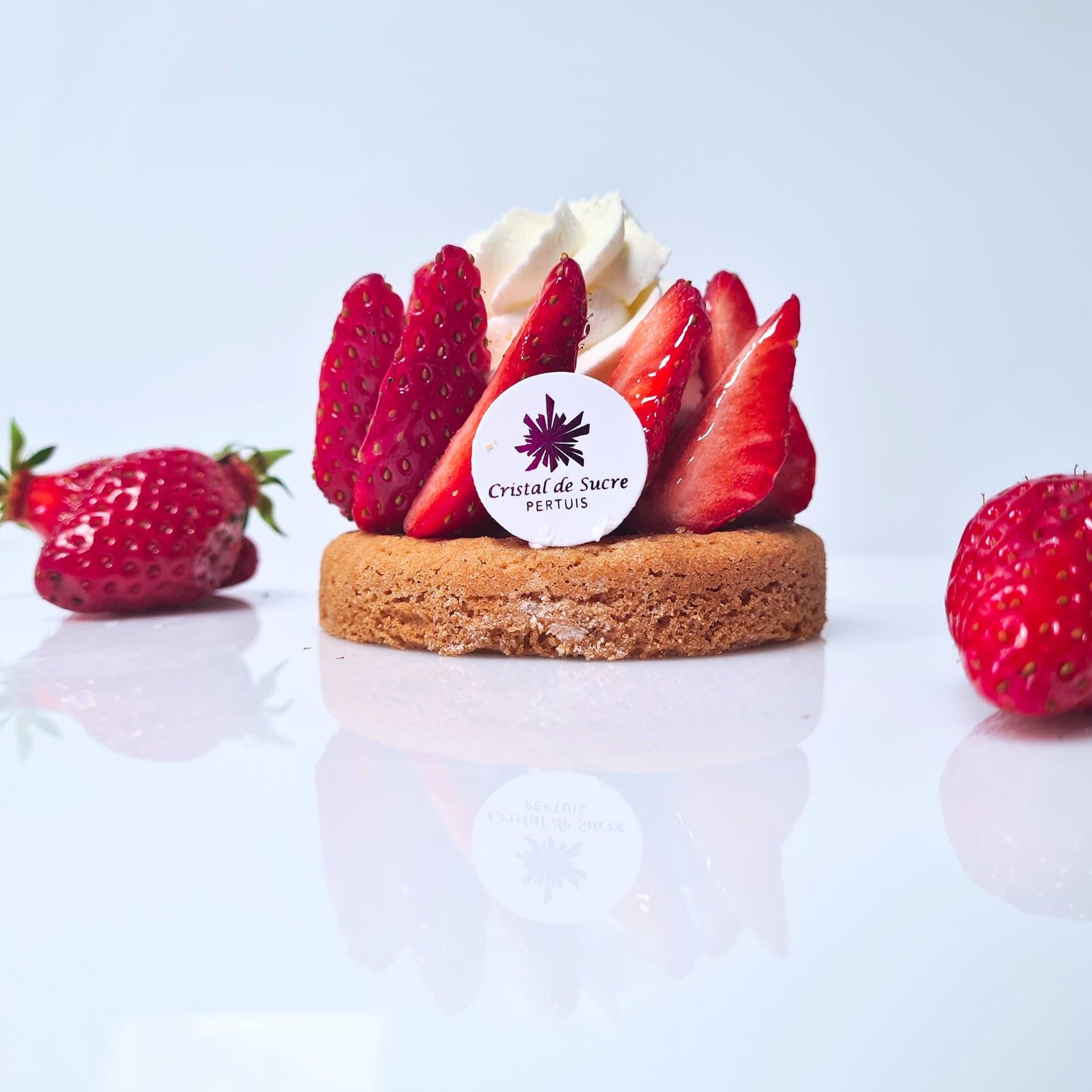 Sablé breton, crème pâtissière, fraises, chantilly 4 € Selon saison