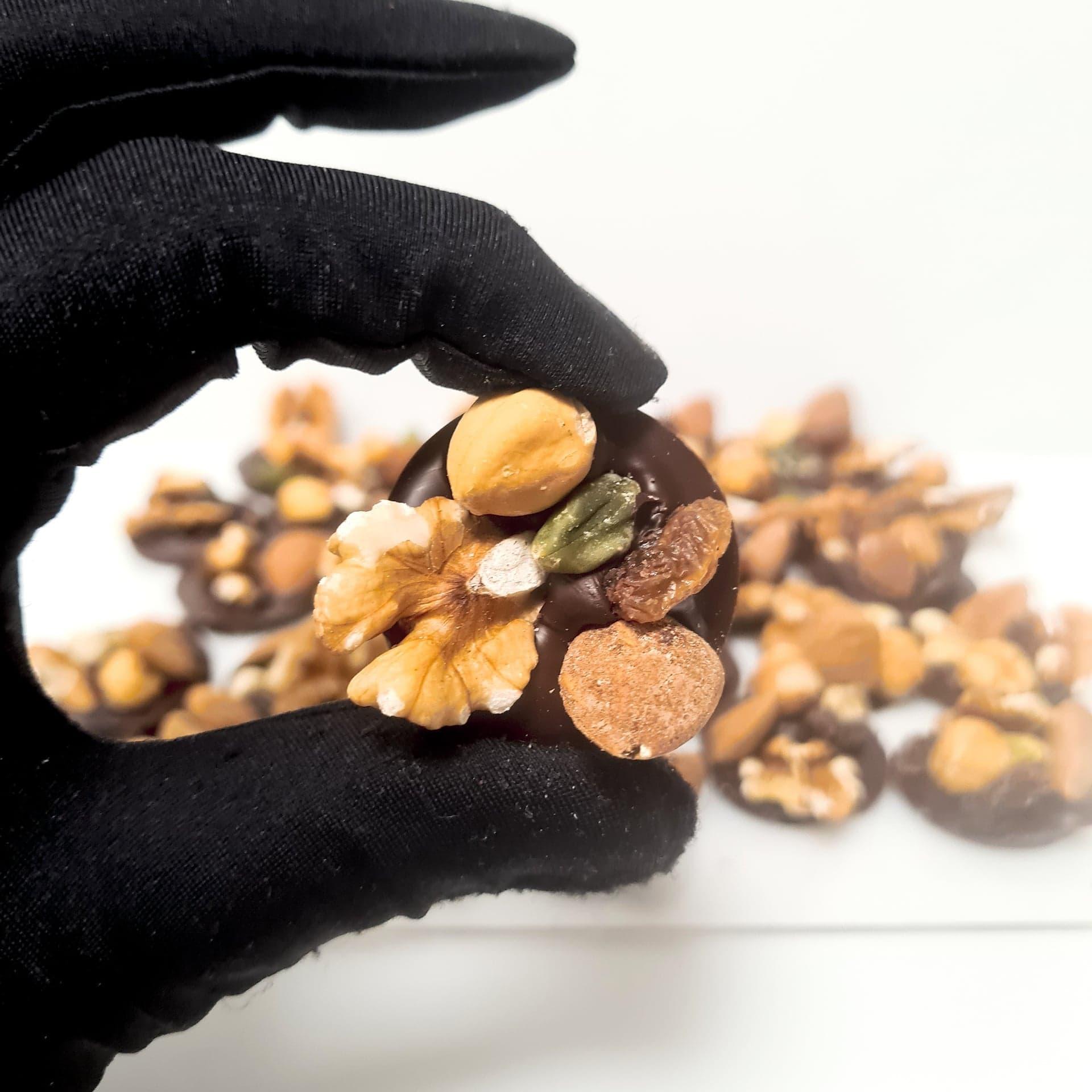Palet de chocolat noir, fruits sec