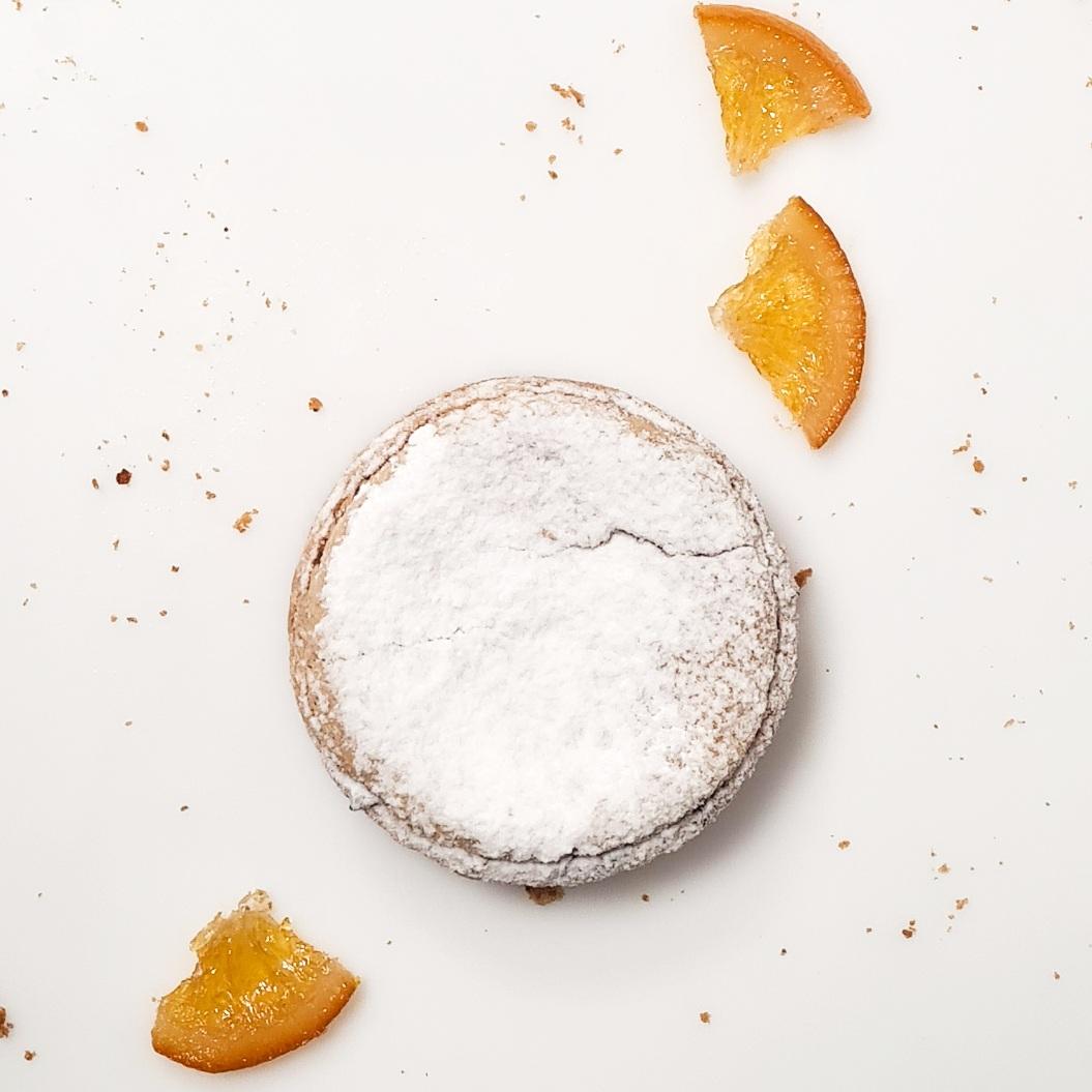 Pâte sucrée, abricot moelleux, orange confite, compote de pommes, soufflé amande 3,5€